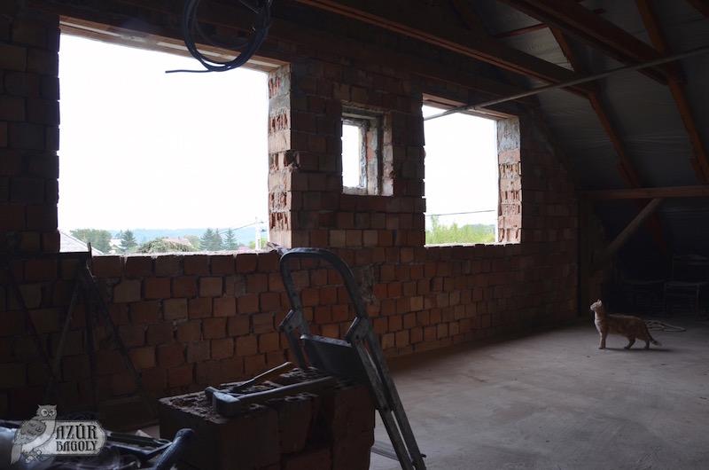 Padlástér ablakok kialakítása