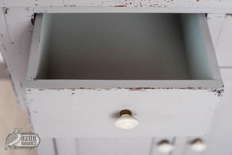 hagyományos fiók - részlet egy felújított bútorból