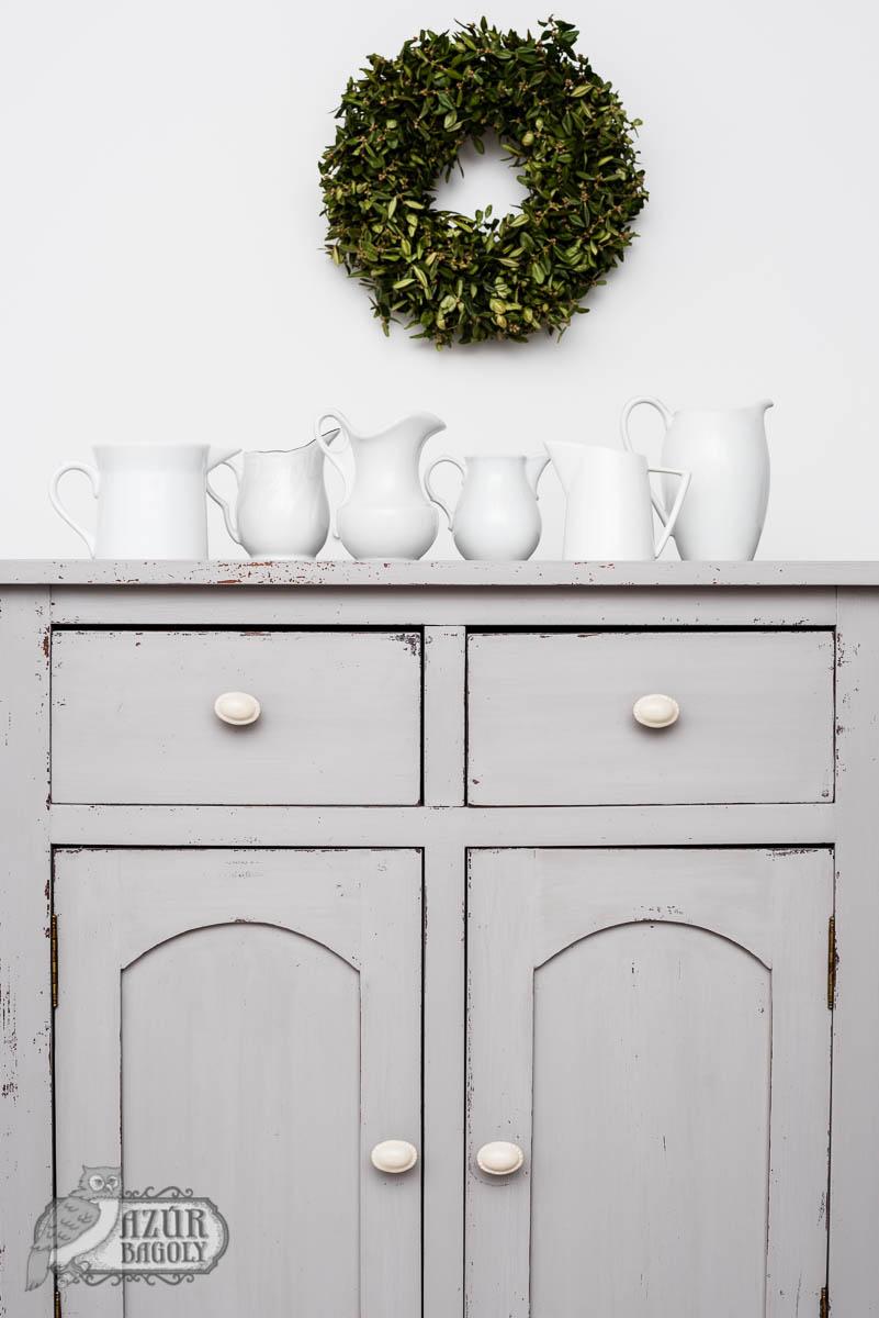 bútorfelújítás vintage stílusban szürke bútorfestékkel – a komód színe: Azúr Bagoly Tejfesték, Füst
