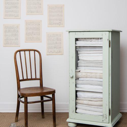 bútor felújítás ötletek – vintage szekrény – Azúr Bagoly