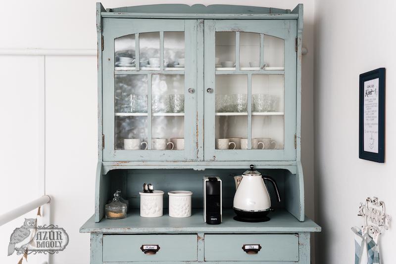 a bútorfestés vintage stílusban könnyedén megvalósítható az Azúr Bagoly Tejfesték Provence színével