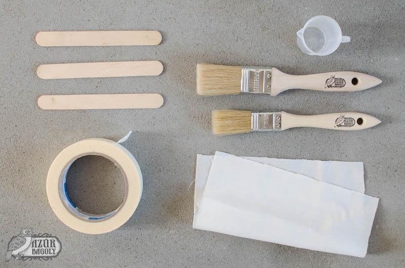 a bútorfestéshez szükséges eszközök: ecset, maszkolószalag, keverőpálca, pamutrongy, mérőpohár