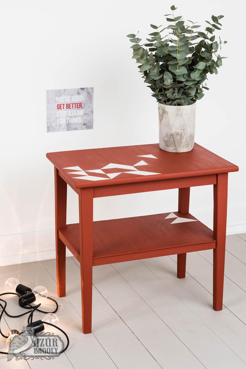 bútorfestés – bútorfelújítás – fiatalos, modern, friss – Azúr Bagoly Tejfesték – piros asztal