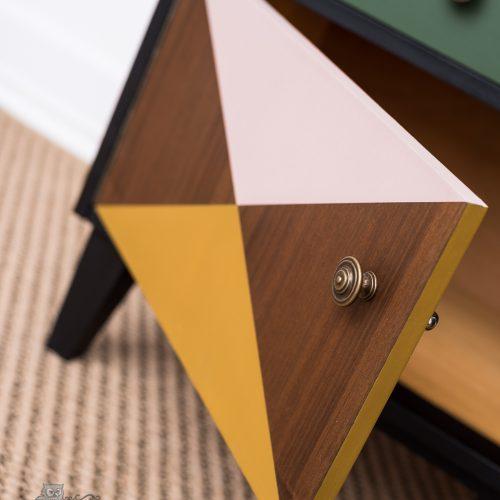 bútorfestés – retró – geometrikus minta – Azúr Bagoly